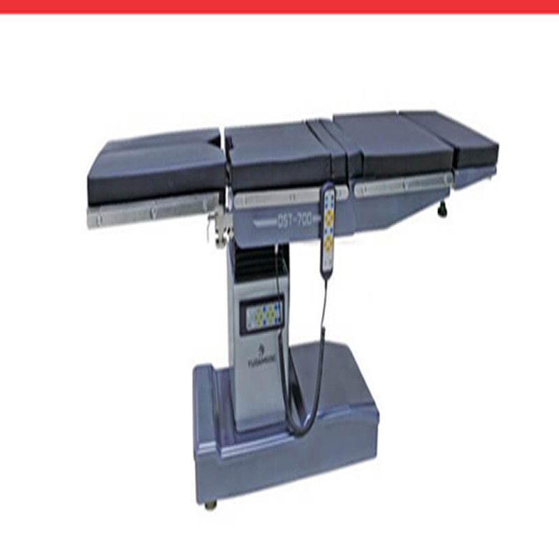 OPERATING TABLE DST 700
